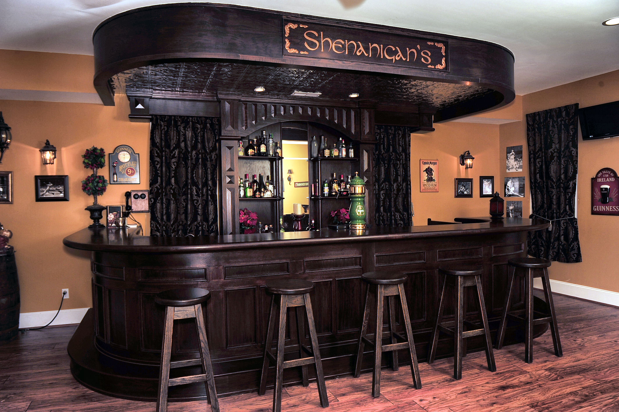 oak irish bar – Mekkelek Custom Woodwork & Cabinetry
